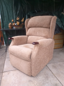Electric celebrity reclining chair