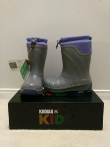 BNIB Girl's Kodiak Klondike Winter / Snow Boots - Size 1