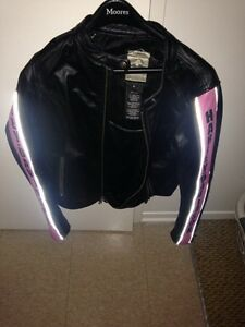Ladies medium Harley Davidson leather jacket!