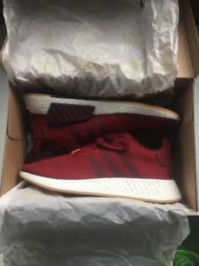 Adidas Men's NMD R2  Shoes Red (size 10.5)