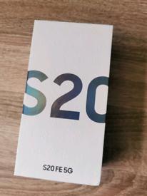 **Brand New** Samsung galaxy S20 FE 5G **Sealed** Dual SIM Unlocked C