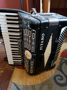 Titano keyboard accordion