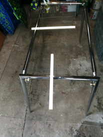Glass Dinning table 4x black chairs