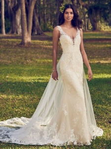 •Maggie Sottero Wedding Dress 2018-  Bernadine - Size 6