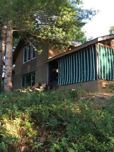 Lodge on Lost Lake in 675 acre private playground, Tweed area