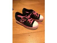 Heelys Girls Canvas Skating Shoes size