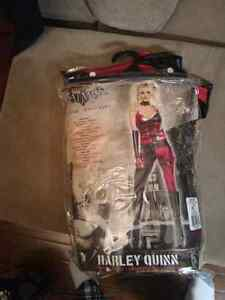 Harley Quinn costume size small - 40