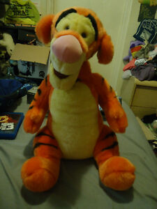 DISNEY BIG TIGGER PLUSH