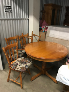 Kitchen Table & Chairs