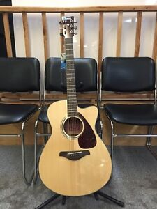 Yamaha FSX700sc electric acoustic guitar with cutaway.