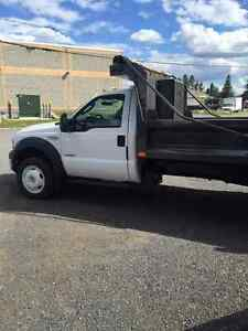2006 Ford F-550 Camionnette