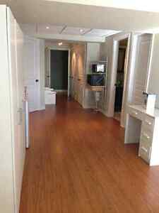 Studio Room in Executive Townhouse- Female Student only