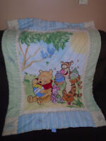 Disney blanket , Winnie the pooh 10$  Size 31/41 ½ inches . Exce