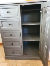 Compact wardrobe by Lucy Cain
