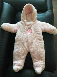 Baby girl Snow suit size 6M