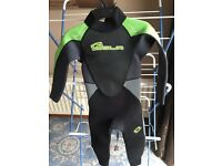 Boys/girls wetsuit excellent condition