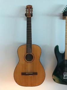 **Goya G10 Classical Guitar 1960's**