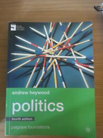Politics 4,th edition Andrew Heywood