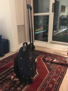High Sierra backpack with wheels and should straps