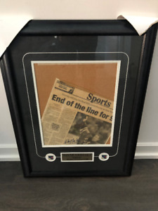 Wayne Gretzky Autographed Newspaper Clipping