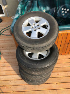 Tires + Mags Ford Escape 16 po.