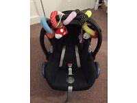 Maxicosy car seat And base