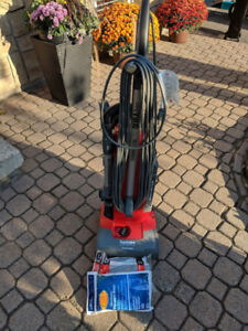 Sanitaire Commerical Grade Upright Vacuum with bags
