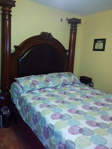 """Queen bed set, 100"""" x 76"""" frame dimension-wood, leather, pillars"""