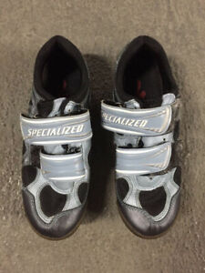 Ladies Specialized Mountain Bike Cycling Shoes, size 6