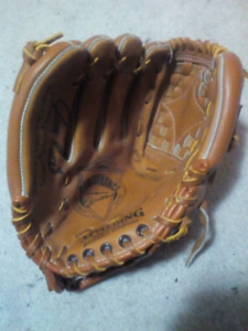 Spalding Top-Grain Leather Softball Glove  Fits RH