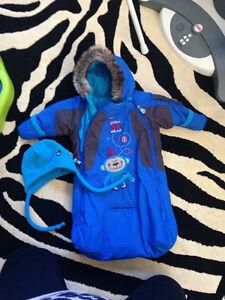 Infant snowsuit bunting