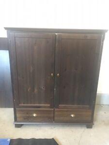 Meuble de télévision et meuble de coin en bois