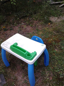 LEAP FROG DESK AND CHAIR