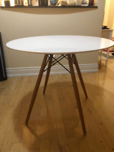 Kitchen Table (EIFFEL from Structube)