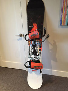 Option Snowboard & Burton Bindings/Bag package