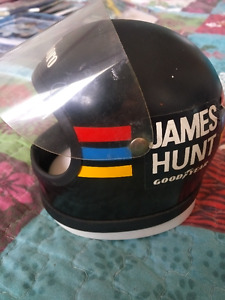 CASQUE F1 HORLOGE JAMES HUNT