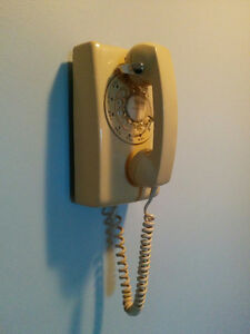 Vintage Rotary Dial Wall Mount Telephone – Tan / Cream Colour