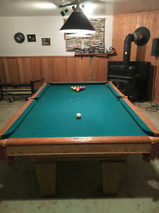 Table de billard de marque Brunswick