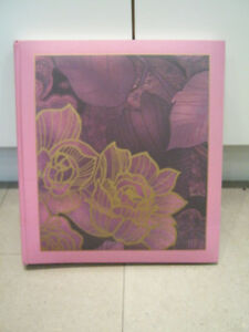 Selling NEW photo scrapbooking album with 30 pages