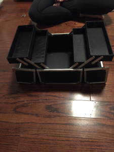 make up case or jewellery case