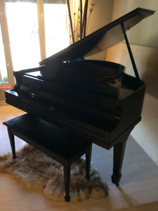 Mason & Risch Baby Grand Piano
