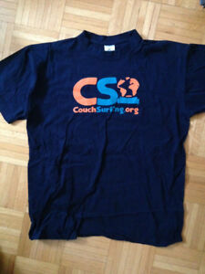 T-shirt Couchsurfing