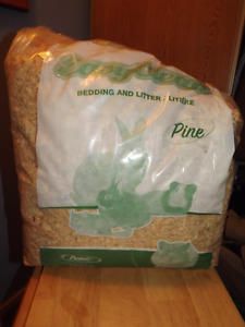 Partly used bag of Pine shavings