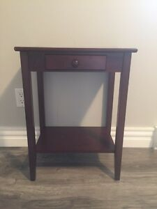 Side/night table