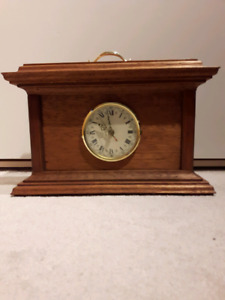 Solid mahogany mantle clock - great cond!
