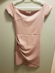 Size 4 Missguided bodycon baby pink dress