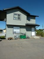 Sexsmith stand alone town house, deck, 5 appliances