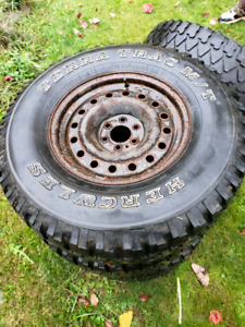 El Dorado studded winter tires 265/75 r16 W/rims