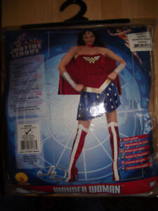 New In Pkg - 6 pc Med Adult size Wonder Woman Halloween Costume