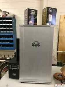 Bradley 4 Rack Digital ELECTRIC Smoker 120V